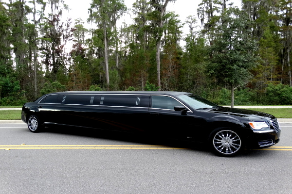 Chrysler 300 limo service portland