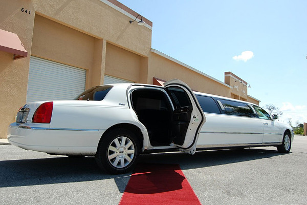 Lincoln stretch limo portland