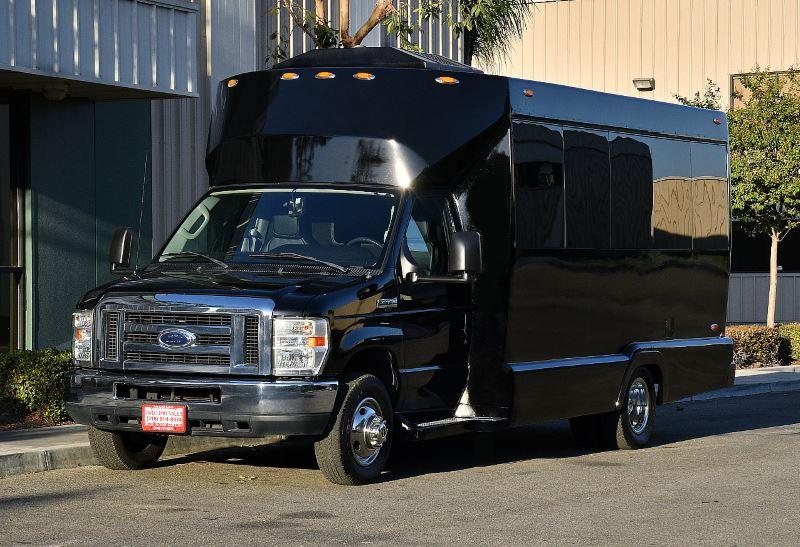 Portland 25 Passenger Party Bus